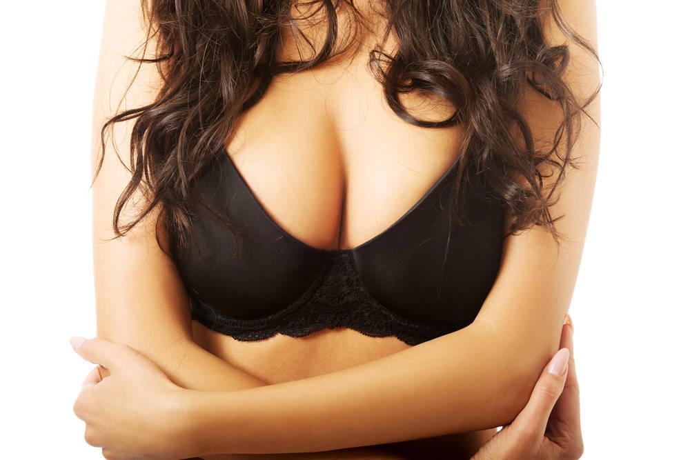 Los pechos grandes, en ocasiones, un problema para la salud