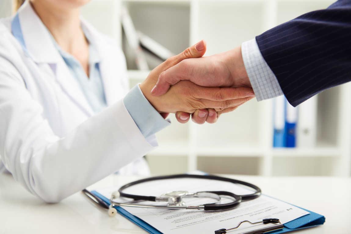 Ventajas y desventajas de contar con seguro médico privado