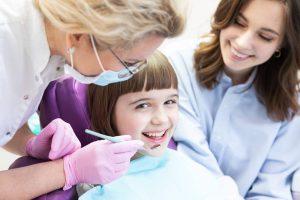 Cómo tienen que cuidarse los dientes los más pequeños de casa